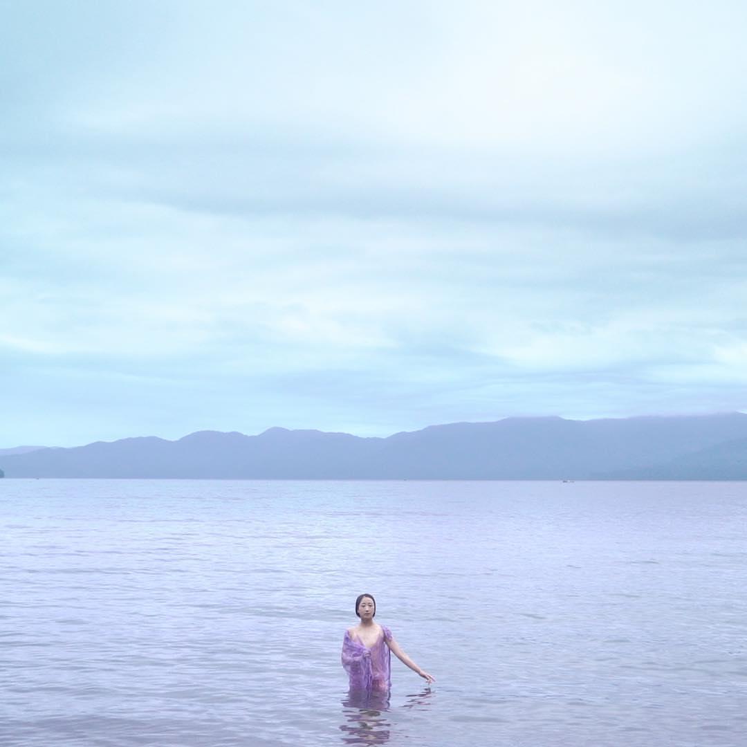 吉開菜央の映画「Across the Water」(2017)